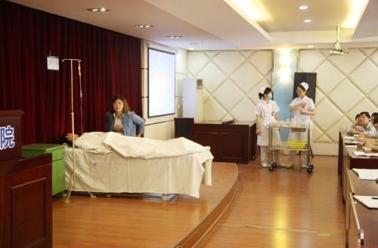 成飞医院开展2014年护理应急预案演练