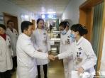 成飞医院领导慰问除夕一线值班医护人员