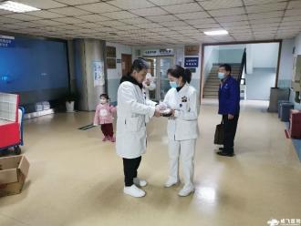 【春节送福】成飞医院院长刘作林率队慰问春节值班医护人员